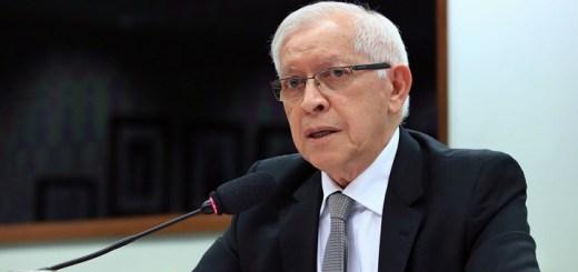 Quadros diserta ante Diputados. Imagen: Cámara de Diputados de Brasil.