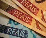 Notas cedulas dinheiro100 e 50 reais
