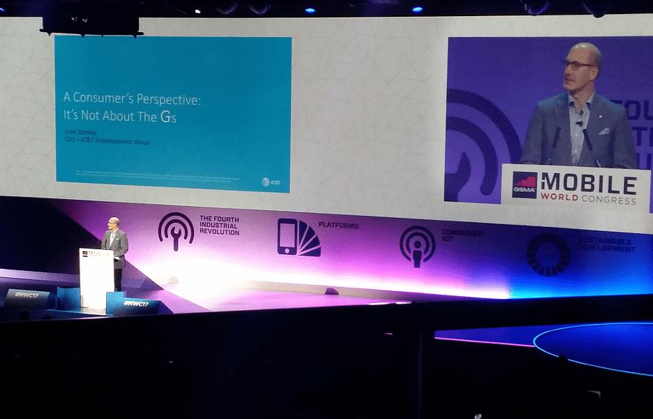 O CEO da AT&T, John Stankey, na edição de 2017 do Mobile World Congress