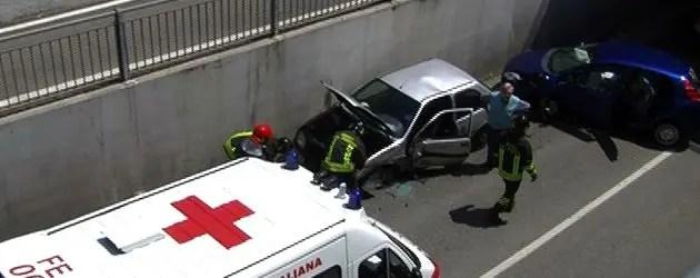 Incidente in via Ravenna, sottopasso bloccato