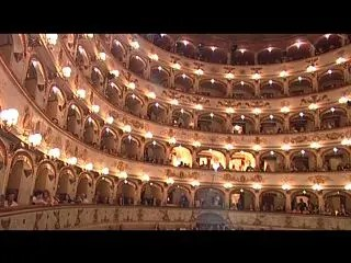 Il teatro riapre dopo il sisma