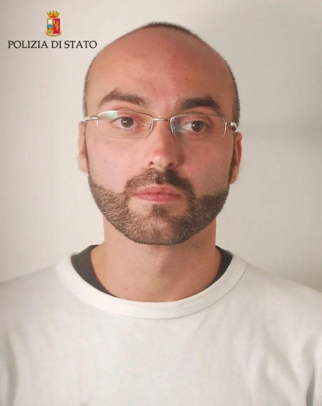 Arrestato mentre consegna la droga a domicilio