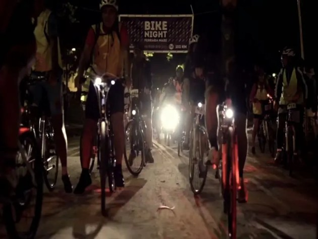Bike Night: in bici dalla città al mare, di notte – VIDEO