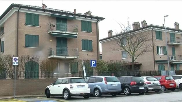 Scassinatore seriale tenta il furto in abitazione ma viene visto. Arrestato dalla Polizia – VIDEO