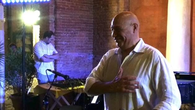 Spal, al Bar Ragno di Comacchio la proposta di inno di Mistri e Ellade Bandini – VIDEO