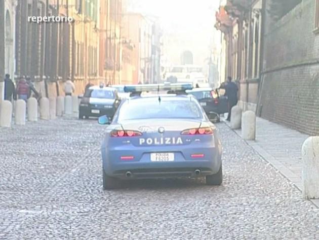Tre minorenni molestate in via San Romano a Ferrara