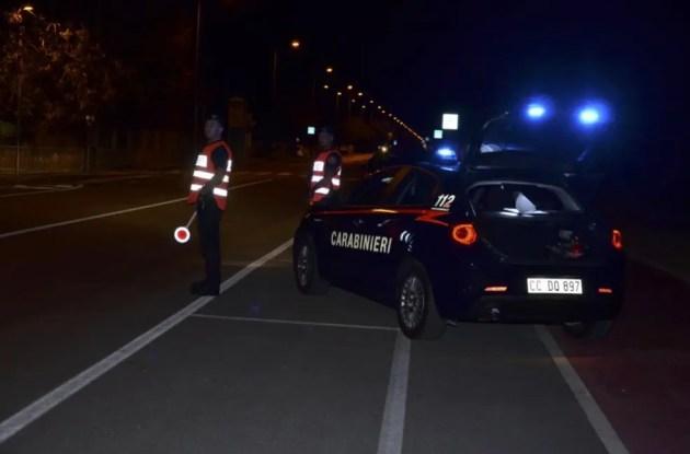 Investono ciclista e scappano: denunciati dai carabinieri