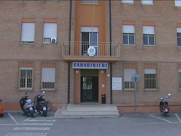 Spunta il coltello durante la lite: intervengono i carabinieri