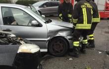 Incidente a Cento: tre auto coinvolte