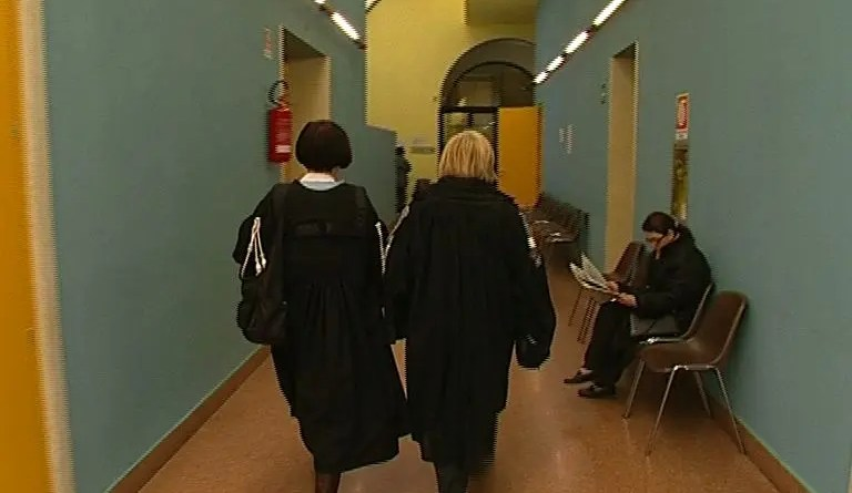 magistrati tribunale avvocati aula
