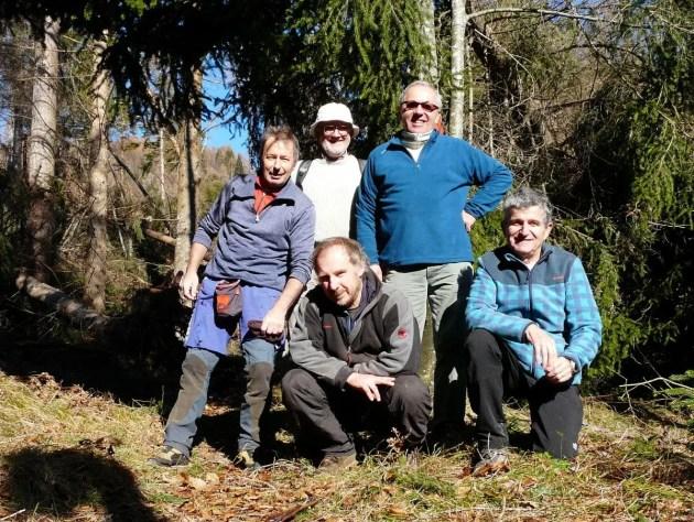Nella foto, da sinistra in piedi: Gabriele Villa, Maurizio Fontana, Mauro Melon.Sotto: Pompeo De Pellegrin (di Zoldo), Giordano Berti.