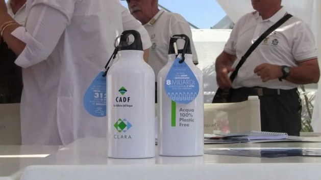 "Campagna ""100% Plastic Free"" al via in spiaggia ai lidi – VIDEO"