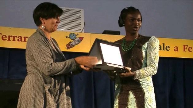 Festival Internazionale: premio a giornalista minacciata per denunce su degrado ambientale – VIDEO