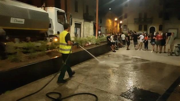 Movida piazza Verdi: ass. Balboni media tra Lodi e universitari – VIDEO