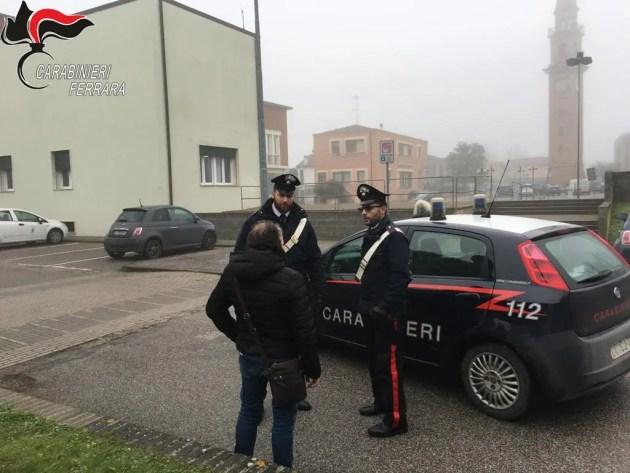 Rapinarono coetanee e tentarono di molestare ragazzina: arrestati due minorenni