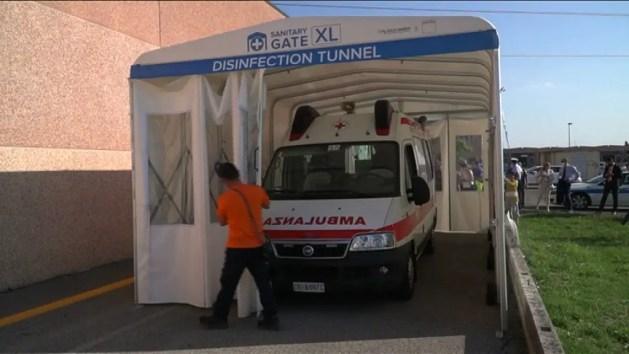 A Cento il tunnel 'Made in Fe' che sanifica i mezzi di soccorso – VIDEO