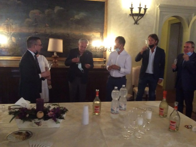 Il prefetto di Ferrara saluta e incoraggia la Spal – VIDEO