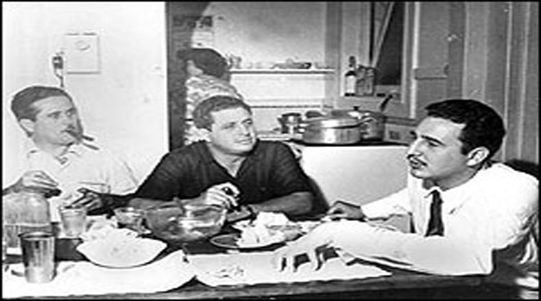 """Bajo la premisa: """"En 1956 seremos libres o seremos mártires"""", Fidel, Raúl, Juan Manuel Márquez, Ernesto Che Guevara, Camilo Cienfuegos, entre otros, estuvieron entrenándose con largas caminatas por las calles de la ciudad de México, escalamiento de montañas, defensa personal, tácticas de guerrillas y prácticas de tiro."""