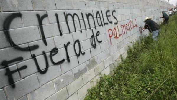 Graffiti in Honduras reads