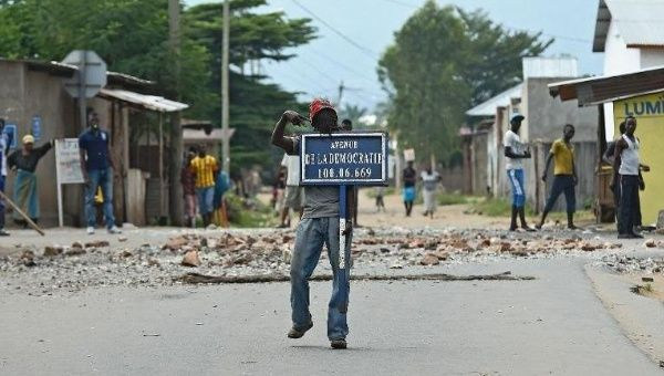 https://i0.wp.com/www.telesurtv.net/__export/1433168325776/sites/telesur/img/news/2015/06/01/afp-regional-summit-urges-burundi-election-delay-halt-to-violence_crop1433167894746.jpg_1718483346.jpg