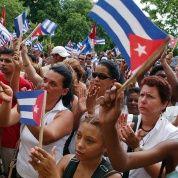 Juntos se internaron en Sierra Maestra desde libraron la batalla para liberar a Cuba y encaminarla por la senda del socialismo, cuyo gran líder es Fidel Castro, el hermano de Raúl.