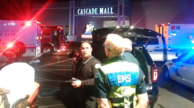 El centro comercial Cascade Mall fue evacuado por la policía.