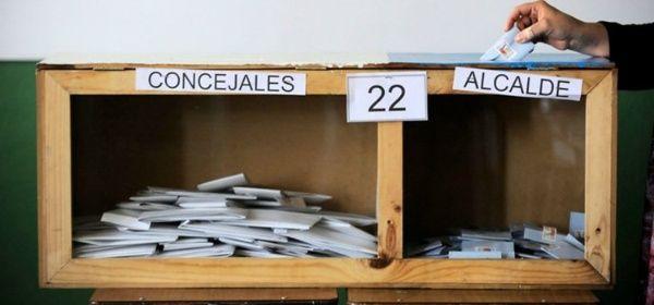 Los chilenos eligen este domingo a las autoridades de 345 comunas.