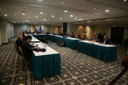 La mesa de diálogo se realiza para acordar temas de interés para los venezolanos.