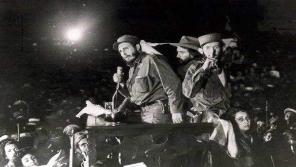 Fidel Castro en el campamento militar de Columbia, La Habana.
