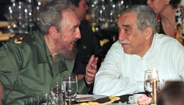 """""""Es un lector voraz. Nadie se explica cómo le alcanza el tiempo ni de qué método se sirve para leer tanto y con tanta rapidez"""", escribió Márquez sobre Fidel."""
