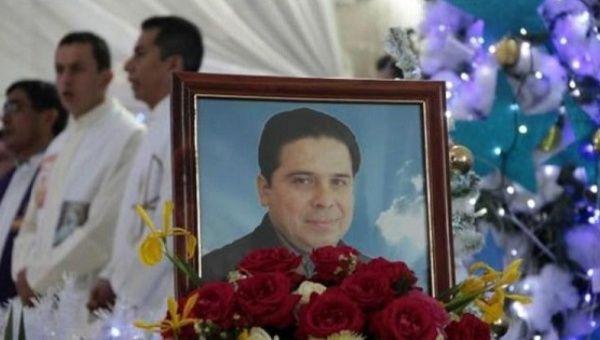 Una foto del reverendo Gregorio López Gorostieta, que murió en 2014
