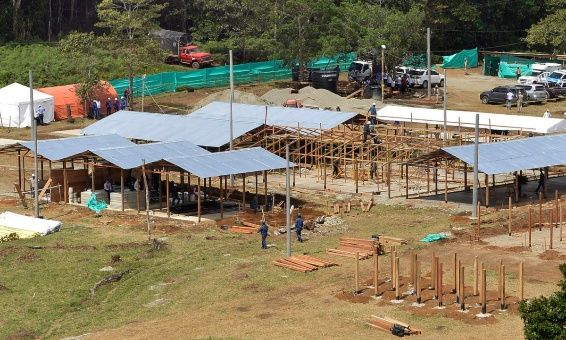 Cuando lo excombatientes de las FARC-EP realicen su salida de los campamentos se hará sin armas y de civil.