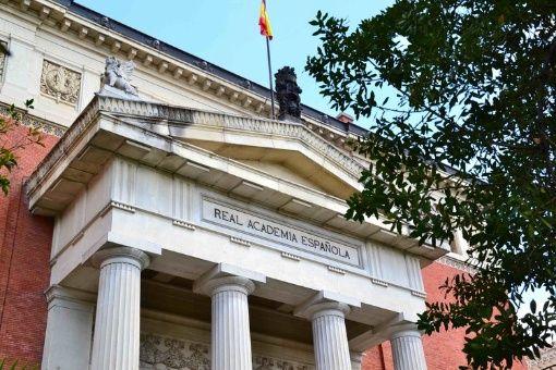 Resultado de imagen para Fotos de edificio de la Real Academia Española