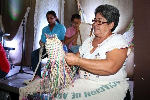 """El papa Francisco en su visita en julio de 2015 a Paraguay manifestó que """"la mujer paraguaya es la más gloriosa de América""""."""