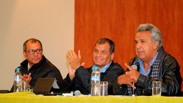 El exvicepresidente se reunió con los legisladores de Alianza PAIS que obtuvieron escaños para la Asamblea Nacional.