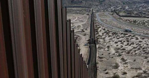 Estados Unidos hizo pública una petición de propuestas para el muro que ha sido denunciado como una muestra de la discriminación y el racismo en esa nación.