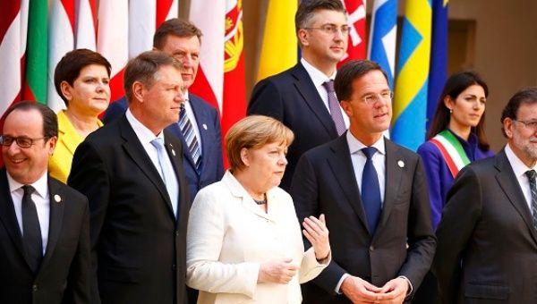 líderes de la UE posan para una foto de familia durante una reunión con motivo del 60 aniversario de theTreaty de Roma, en Roma, Italia 25 de marzo de, 2017.