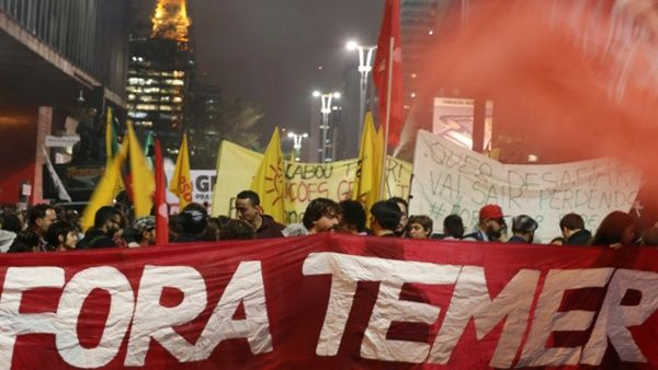 Resultado de imagen para Miles de brasileños exigen renuncia de presidente golpista y corrupto Temer.