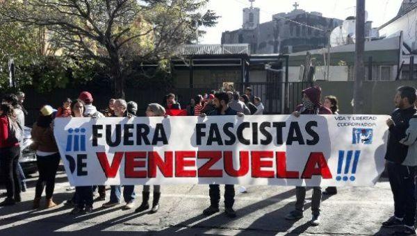 En Chile rechazaron los actos de violencia acontecidos en el país bolivariano desde inicios de abril pasado.