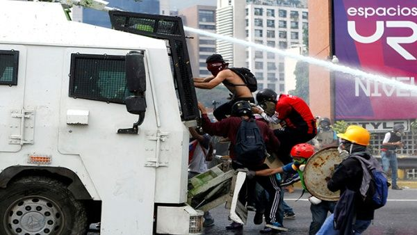 Casi 60 muertos ha dejado la ola de violencia de la oposición venezolana.