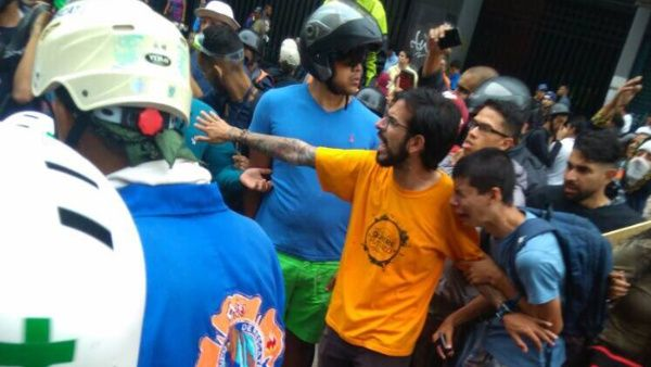 El Ministerio de Interior, Justicia y Paz informó que el menor de edad perdió la vida durante una manifestación violenta promovida por el diputado opositor Miguel Pizarro.
