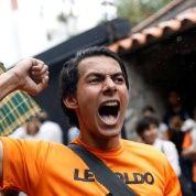 En fin, si los gobiernos de EEUU y del Vaticano logran fugar al convicto Leopoldo López, le harían un gran servicio al resto de ambiciosos de la MUD, quienes recibieron con desagrado esta medida judicial.
