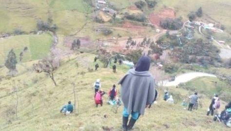 Los habitantes fueron atacados con balas de goma y explosivos.