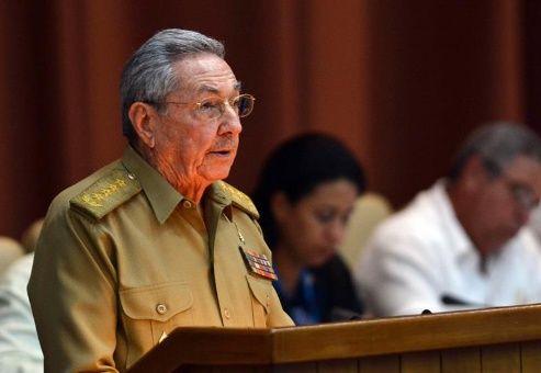 El mandatario Raúl Castro reafirmó su solidaridad al pueblo venezolano y a su unión cívico-militar, encabezada por su homólogo Nicolás Maduro.