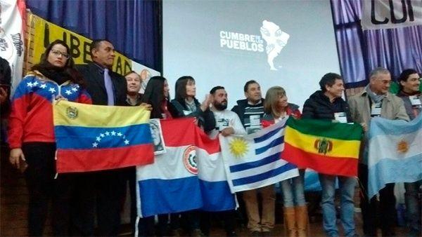 Lo abordado en la Cumbre será recogido en un documento final que harán llegar a los mandatarios del Mercosur.