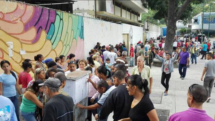 Tras el Toque de Diana el primero en votar por la paz en las elecciones de la Asamblea Constituyente de Venezuela fue el presidente Nicolás Maduro.