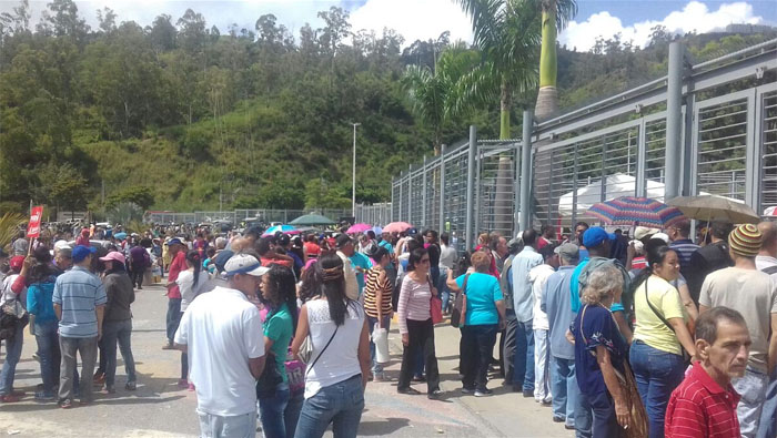 El presidente de Venezuela pidió a la comunidad internacional ver, respetar y respaldar la voluntad democrática de la mayoría del pueblo venezolano.