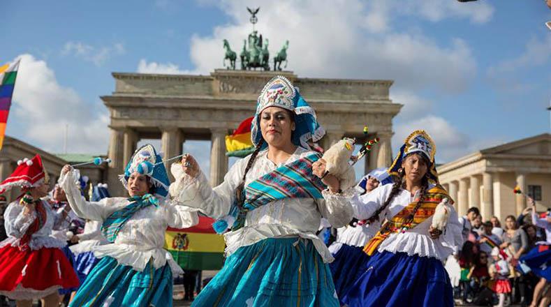 Esta es la quinta edición del evento. El encuentro germinó tras la preocupación de varios folkloristas sobre la usurpación de las danzas patrimoniales que otros países hacían en sus festivales.