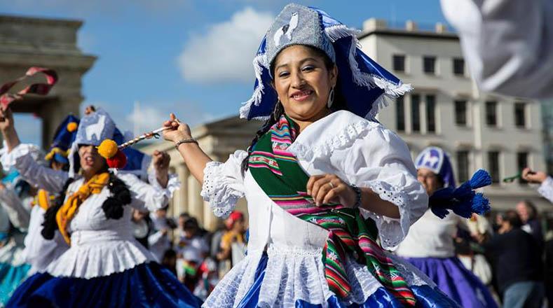 La llamerada es una danza que intenta imitar la vida diaria de arrieros y pastores.