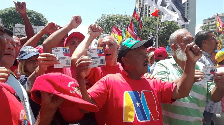 El pueblo venezolano se concentra con alegría y repudian el atentado fallidos ocurrido contra el jefe de Estado.